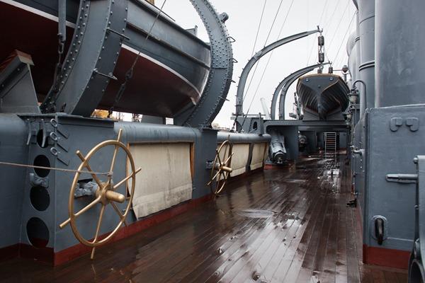 Как ремонтируют крейсер «Аврора»