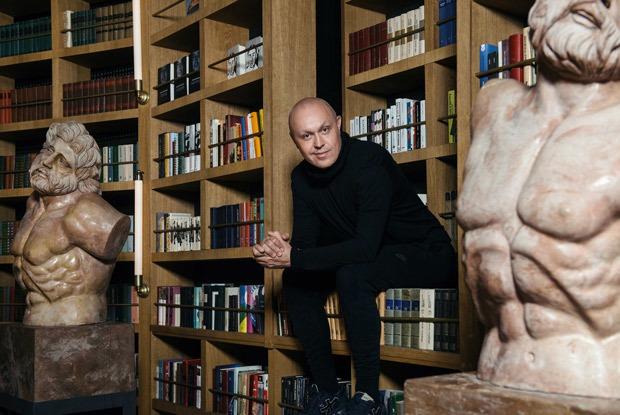 Почему промоутер Синиша Лазаревич променял клубы наресторан-библиотеку