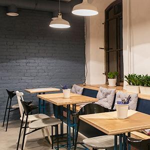 Кафе Wong Kar Wine нанабережной Фонтанки