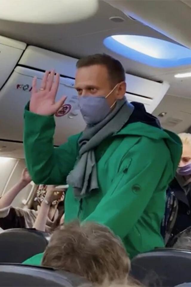 «Вмои планы невходит вешаться наоконной решетке»— Алексей Навальный освоем состоянии вСИЗО