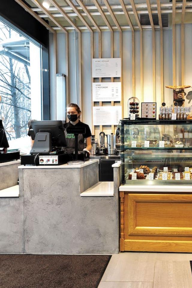 ВКунцеве открылся магазин-кафе Restmarket. Там можно заказать кофе икупить готовые блюда изресторанов