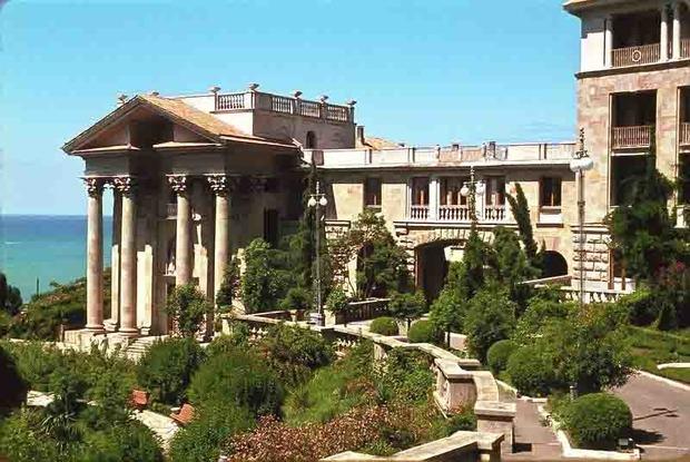 Византийский храм, Уч-Дере, сталинский ампир: Прогулки с архитектором по Сочи