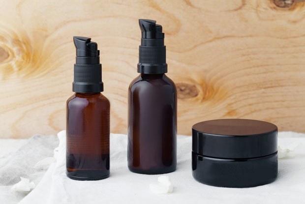Коллекционирование пустых упаковок и шопинг по расписанию: 10 способов сэкономить на косметике