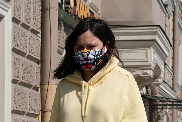 Масочный режим на улицах Петербурга: Как это выглядит напримере центра