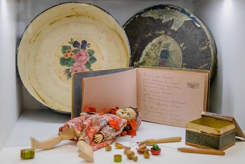В Музее Москвы открылась выставка «Тасамая Таганка». Мысходили нанее савтором канала «Таганка-мать»
