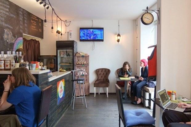 Rainbow: Как устроена первая вПетербурге ЛГБТ-френдли-кофейня