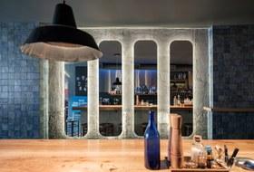 «Полторы комнаты»: Обновленная версия одного из лучших коктейльных баров Петербурга