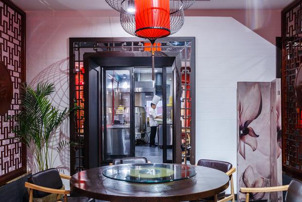 «Пекинская утка»: Три этажа скитайской едой наЦветном