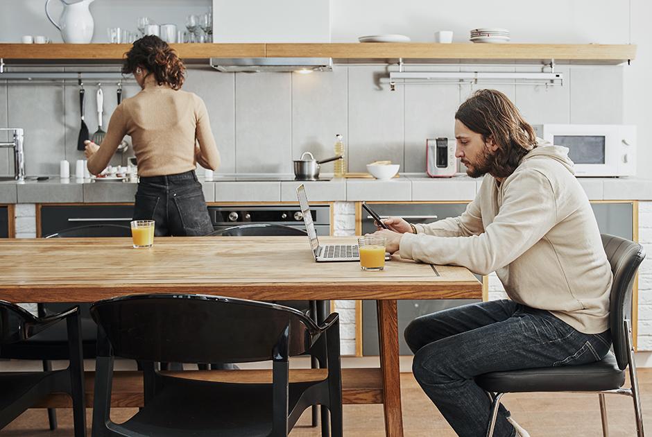 Все свои: Какгорожане переезжают изсъемных квартир ихостелов вколивинги