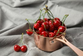 Сезон сморчков, черешня иклубника: Что покупать нарынке вмае