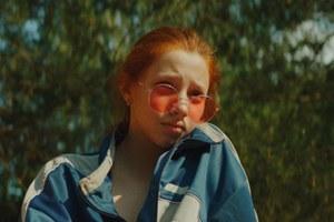 Настя Пальчикова и Полина Гухман — о«Маше», 90-х иконце русского пацанства