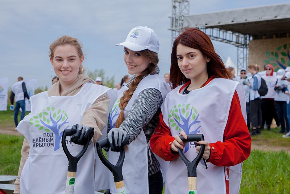 В Боковской протоке высадили 360 деревьев