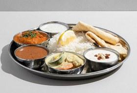Лимонады «Городские напитки», индийская еда «Осторожно, слон!» ипицца Zotman
