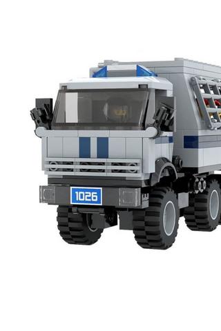 Петербургский художник придумал альтернативу Lego— Oleg. Внаборе есть автозак, силовики ипострадавший журналист