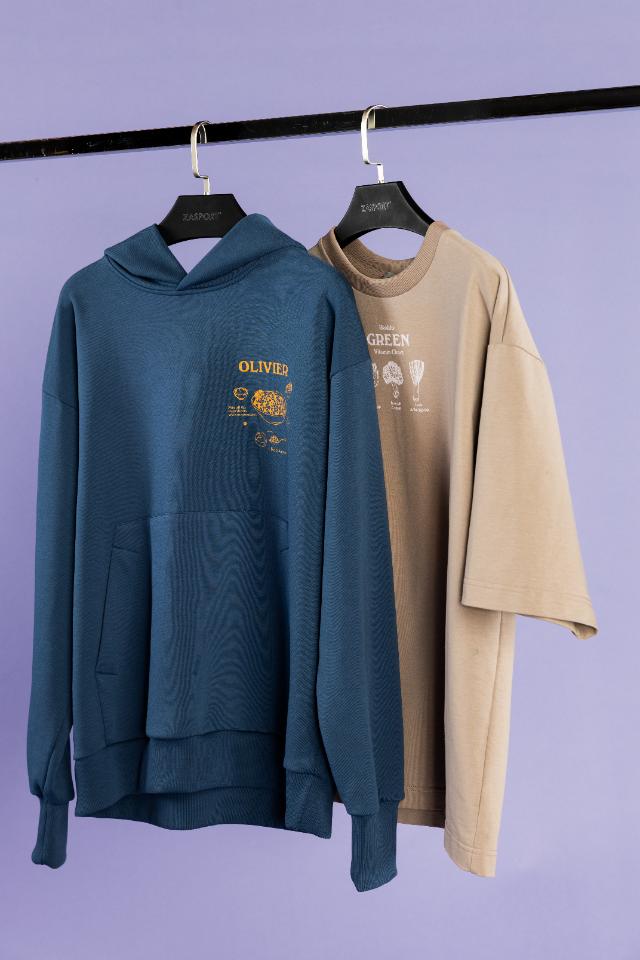 Худи, футболки иаксессуары спринтами новогодних блюд отУсаческого рынка