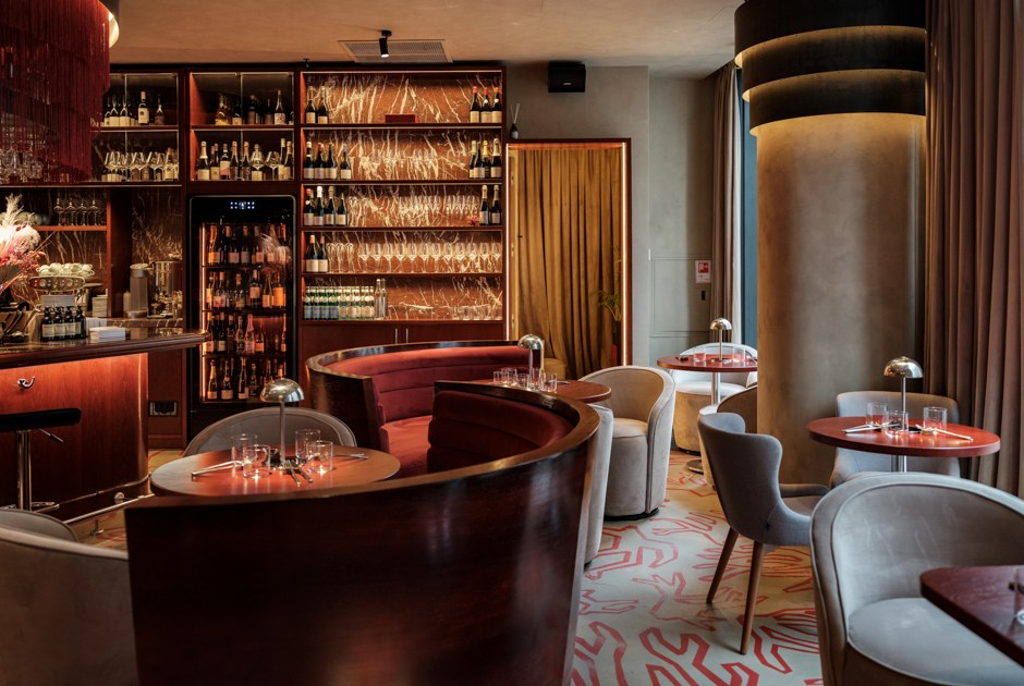Большой куш: Ante Seafood &Bar в«Невской ратуше»