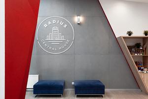 CNTR Architects: Офисный лофт длякоманды архитектурного бюро вапартаментах Radius