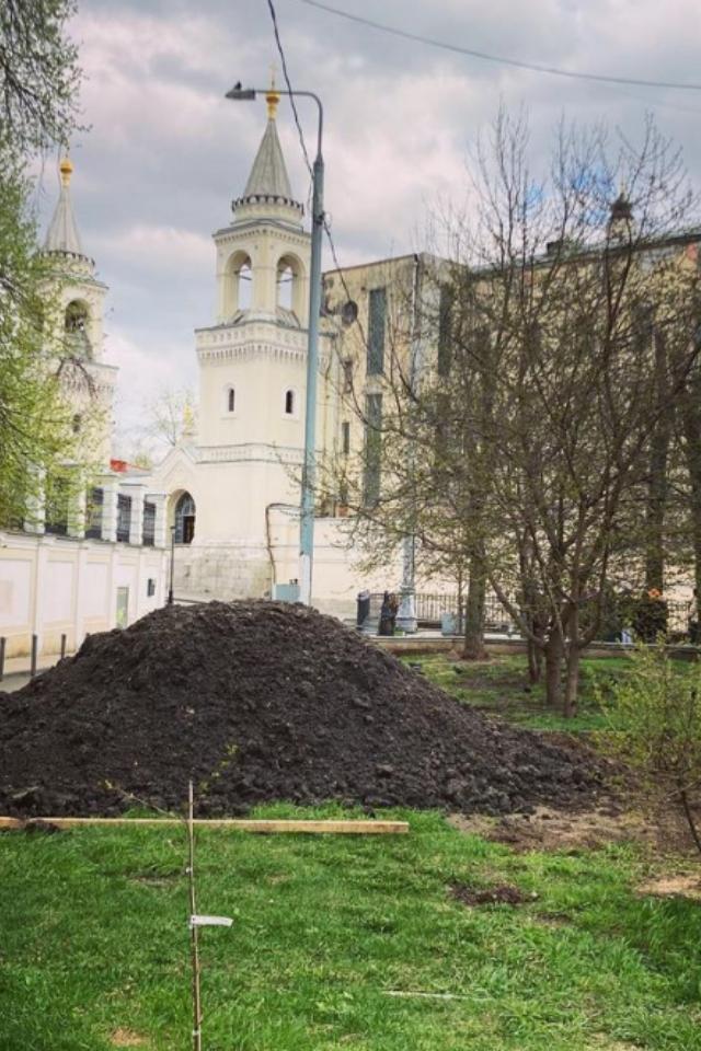 Взаброшенном сквере Мандельштама 3мая проведут субботник. После благоустройства там хотят разбить городской сад