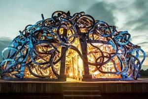 Как выглядят световые декорации кмузыке Стива Райха вНикола-Ленивце