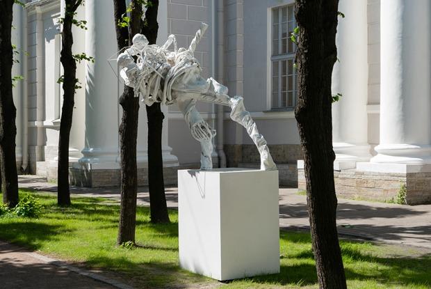 4 новые уличные выставки вцентреПетербурга
