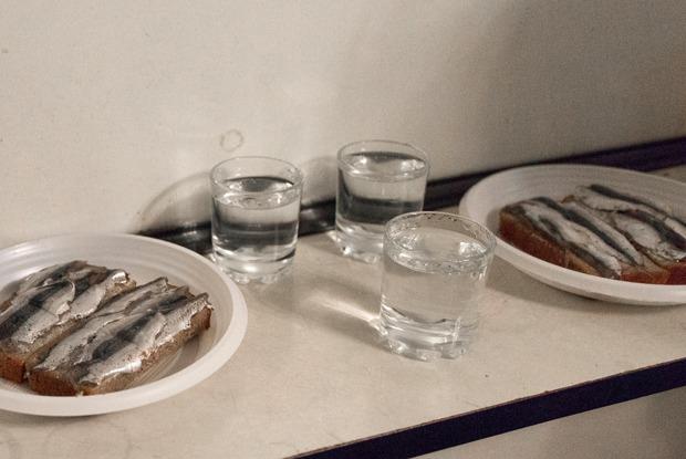 «Целая катастрофа»: Завсегдатаи «Второго дыхания»—озакрытии рюмочной