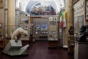 «Переезд невозможен»: Бывший директор музея Арктики иАнтарктики— оРПЦ ибелых медведях