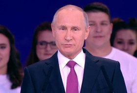 «И снова здрасьте»: Пользователи соцсетей — об участии Путина в выборах-2018