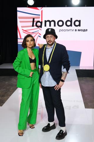 Lamoda запустила шоу «Реалити в моде». Ведущей стала фэшн-блогер Карина Нигай