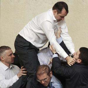 Депутатский приём: Чемпион по рестлингу комментирует драки впарламенте