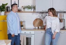 Как современные пары убираются дома