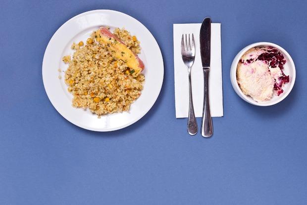 Макароны, сосиски, майонез: Чем кормят вмосковских школах