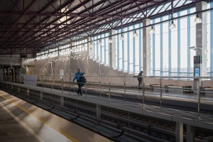 Станцию метро «Шушары» открыли в октябре. Где люди?