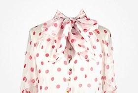 Что надеть: Свитер Raf Simons, винтажное платье Chanel иджинсы Levi's 501