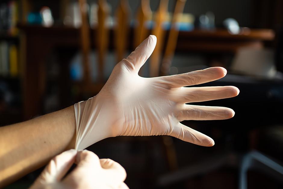 Почему перчатки незащитят нас откоронавируса?