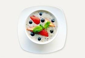 Завтраки дома: Каша изкиноа сминдальным молоком изкафе Fresh