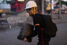 Как протесты вГонконге влияют нагорожан, туристов ибизнес