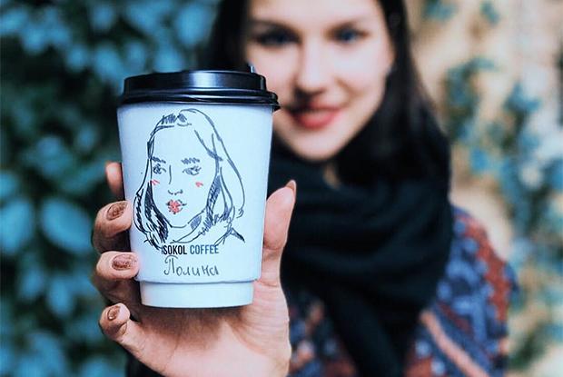 Портреты на стаканах в новой кофейне Sokol coffee рядом с УрФУ