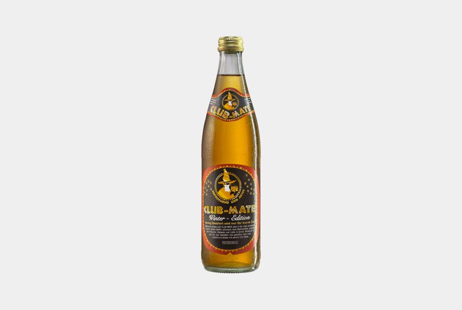 Праздник вбутылке: Новогодняя версия напитка Club Mate соспециями