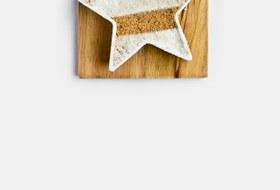 Английский завтрак: Сконы сизюмом ияблочный крамбл