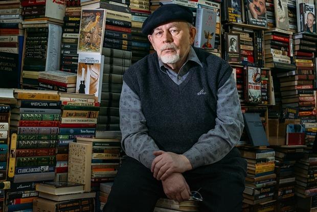 Старожилы книжной ярмарки вДК имени Крупской (Петербург)