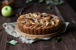 Сезон яблок: 3рецепта пирога