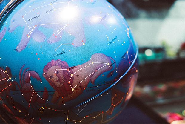 Почему люди продолжают верить в астрологов в 2019 году