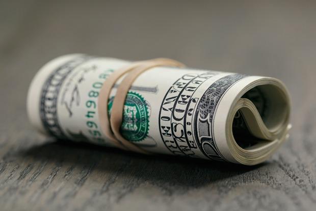 Специалист по финансам — осудьбе рубля и о том, стоит ли сейчас бежать скупать валюту
