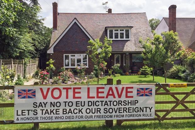 «Страна фактически раскололась»: Британцы— овыходе страны изЕвросоюза