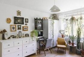 Однокомнатная квартира свинтажной мебелью исемейством бельчат набалконе