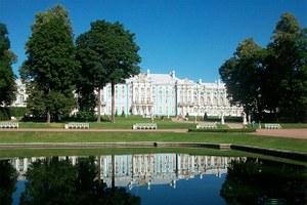Чем пахнут некрополь, Петропавловская крепость иЕкатерининский парк