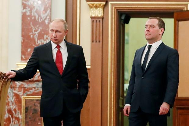 Пользователи соцсетей — онеожиданной отставке правительства России