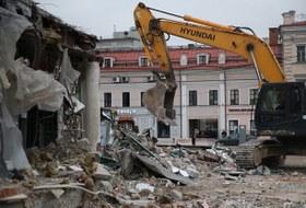 Под ковш: Что происходит спавильонами вМоскве