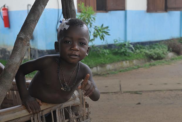 Землетрясения, Эбола ивоенные конфликты: «Врачи безграниц» — оспасении людей повсему миру
