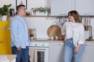 Как современные пары убираются дома:
